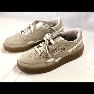 NWOT Men's Reebok Classic Sneakers